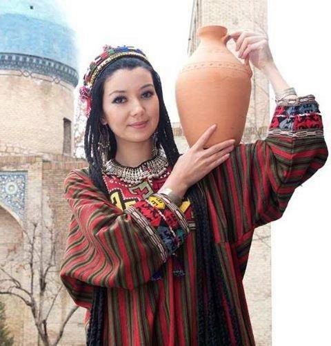 vestito donne Uzbekistan - ragazza uzbeka