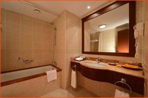 Lotte tashkent hotel restroom